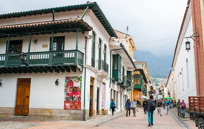 Museo de trajes regionales Bogotá turismo sitio de interés