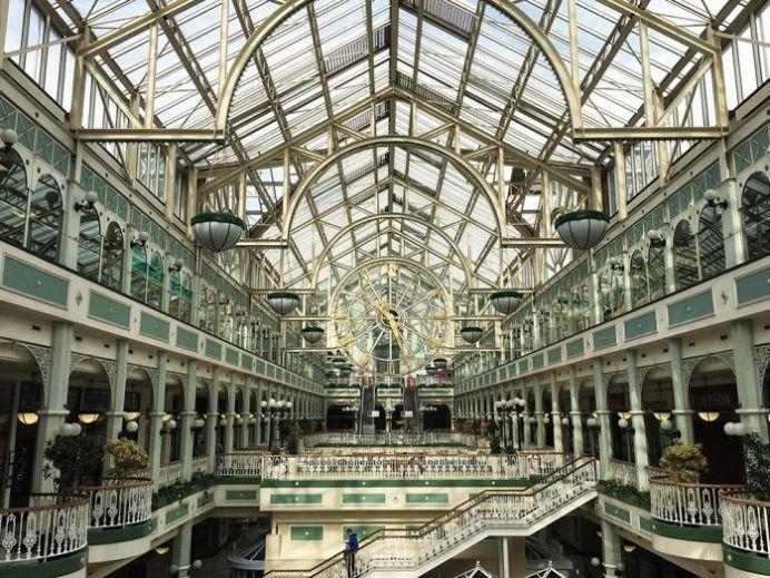 Qué ver en Dublín en 2 o 3 días - visitar el interior del shopping en la esquina de Grafton St. y Stephens Green