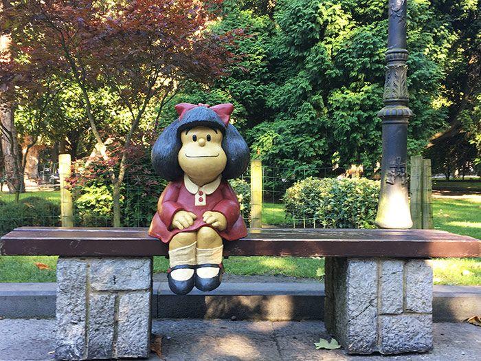 Escultura de Mafalda en Campo de San Francisco, Oviedo, Asturias