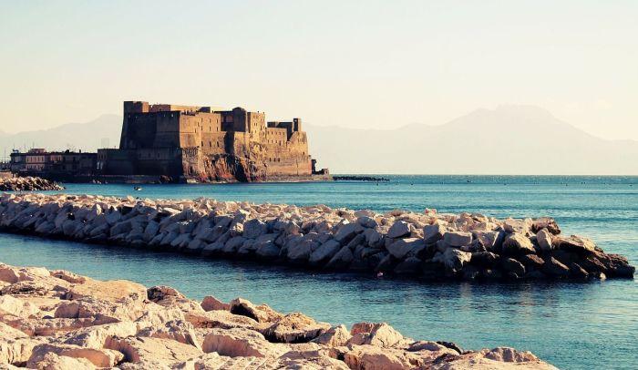 Qué ver en Nápoles - castillo del huevo