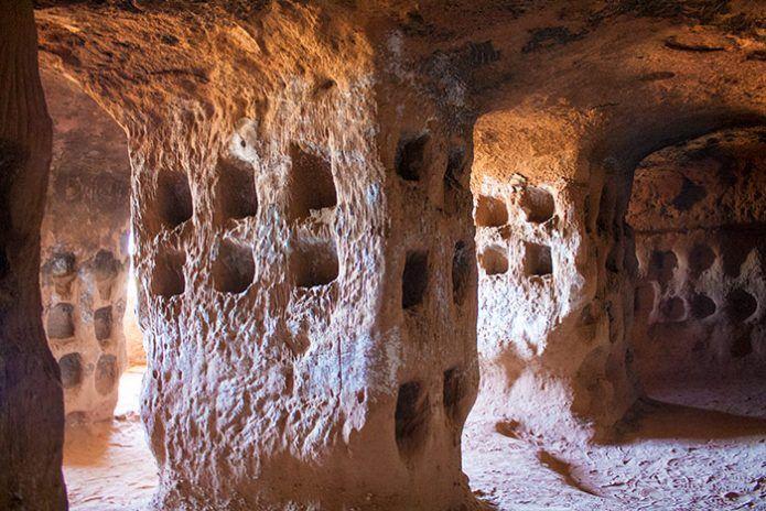 Cueva de los Cien Pilares en Arnedo