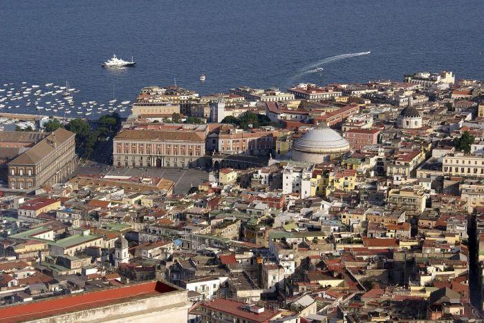 Cómo ir del aeropuerto de Nápoles al centro de la ciudad