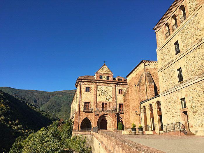 Qué ver en La Rioja - Monasterio nuestra señora de Valvanera