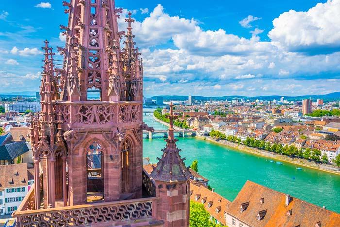 Vistas del Rin en Suiza