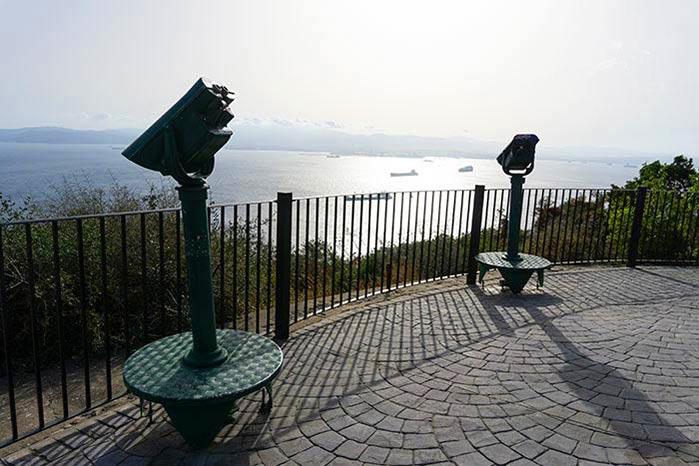 Mirador en la entrada del Mediterranean Steps