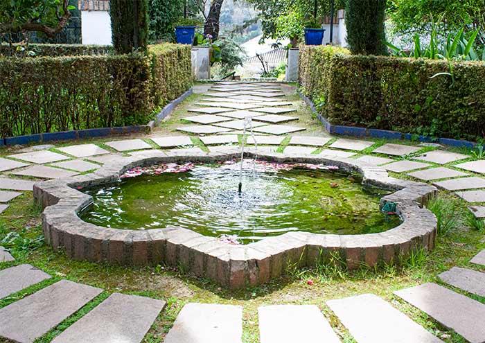Fuente en uno de los cármenes de Granada