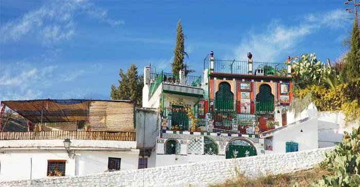 Casitas en el barrio de Sacromonte, Granada