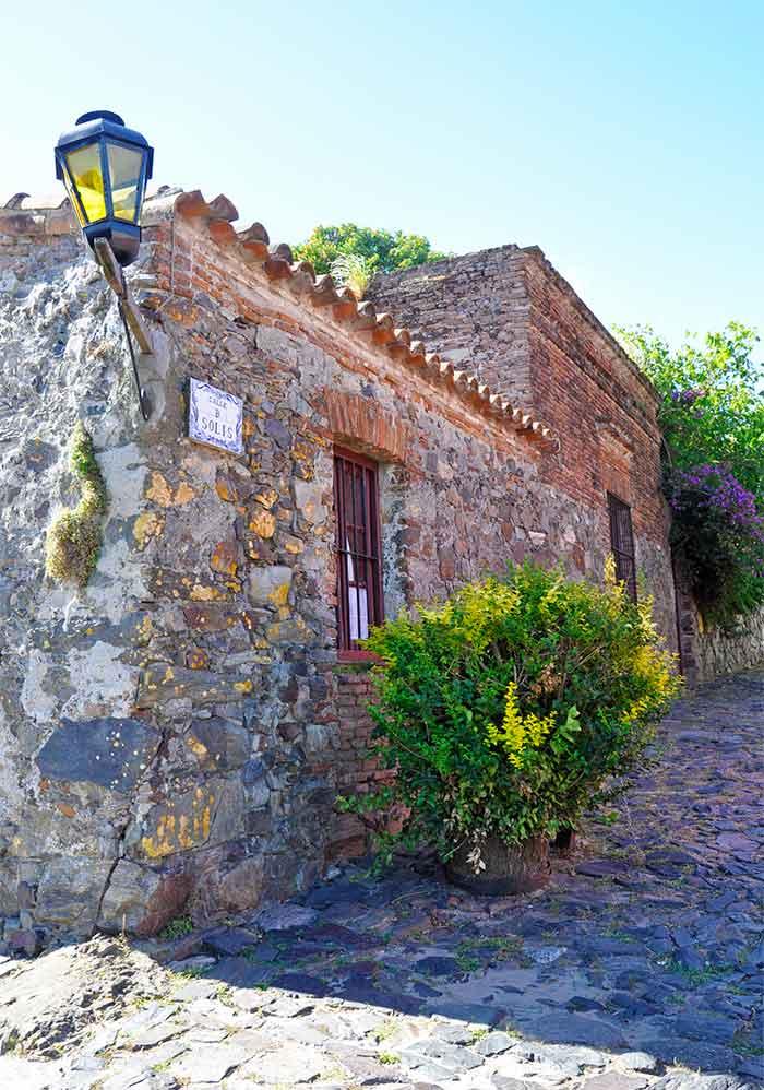 Casa colonial en calle Solis, Colonia, Uruguay