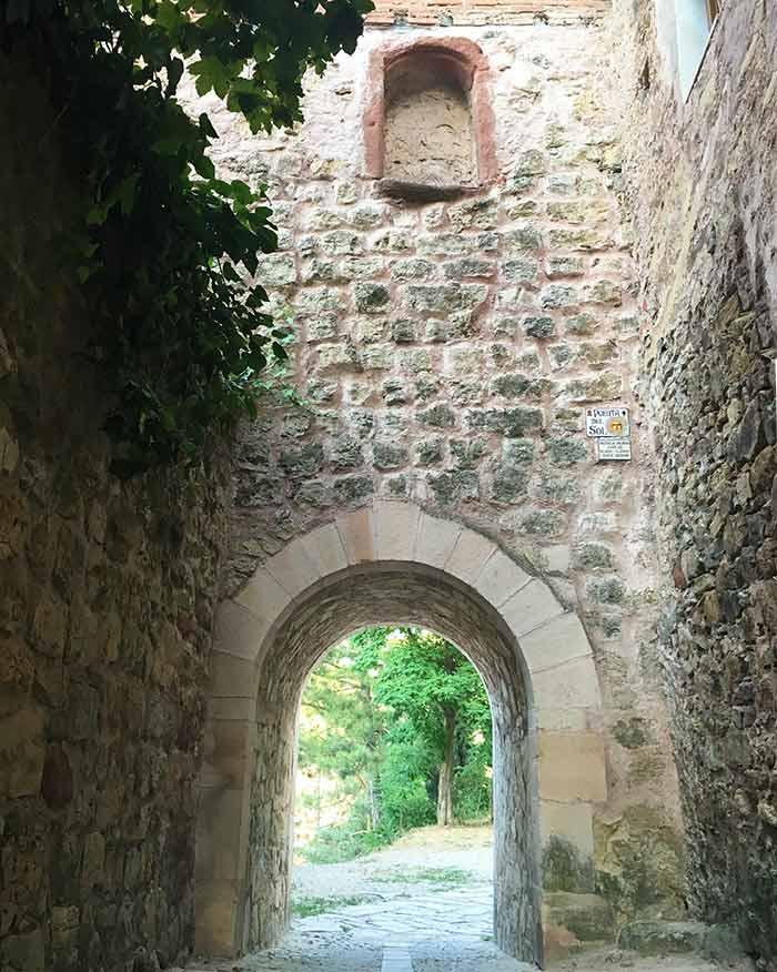 Puerta del Sol en la muralla seguntina