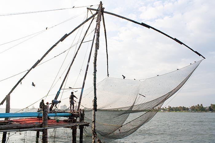 Redes de pesca chinas en Fort Kochi, Cochín, Kerala