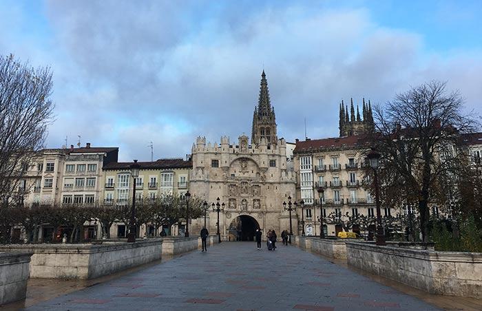 Arco y puente de Santa María