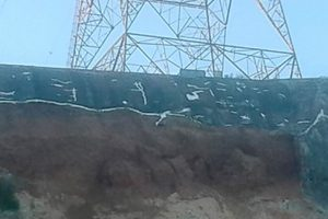 Peligro por una torre de alta tensión que podría caer en Paraná