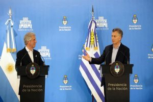 Macri viaja a Uruguay para reunirse con Tabaré Vázquez
