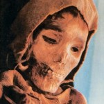 A Loulan female corpse of more than 4,000 years ago unearthed in the Silk Road