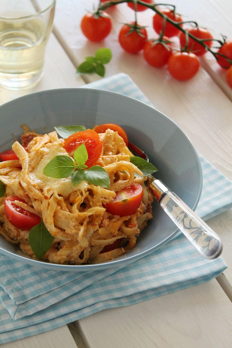Easy-cheesy-tomato-basil-lasagna-2