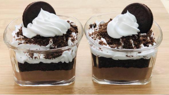 Δροσερό γλυκό ψυγείου με όρεο με 3 μόνο υλικά (Video)
