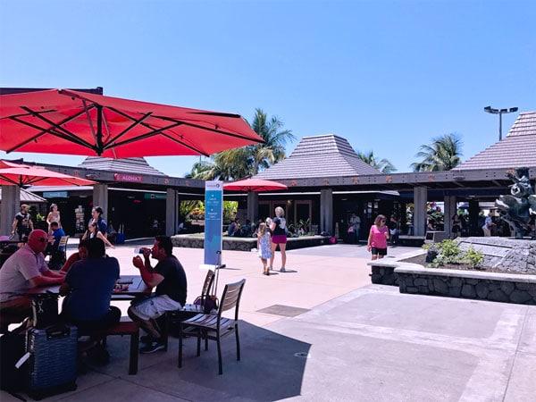 Hawaii Maui Airport Outdoors boarding on tarmac