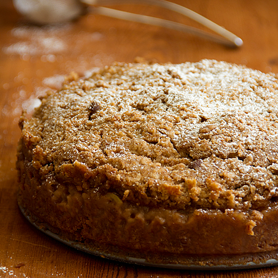 apple-pie crumble cake