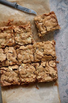 Five-Spice Apple Blondies