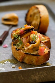 Mussels Escabeche (Mussels Poached in Vinaigrette)