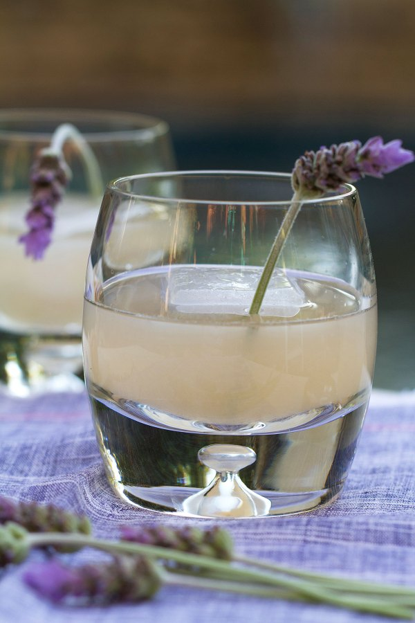 Les Fleurs Cocktail