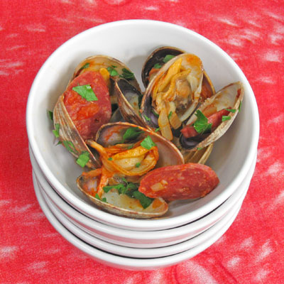 spicy clams with sausages