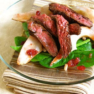 spinach, roast pear & flank steak salad from sippity sup
