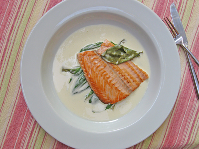salmon troisgros with cream and sorrel