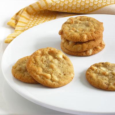 mac cookies with white chocolate