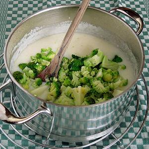 white polenta and broccoli