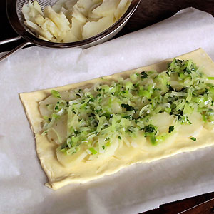 making a potato leek pie
