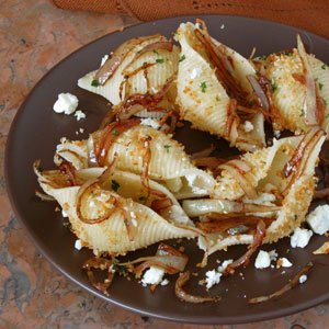 balsamic glazed onion pasta with gorgonzola