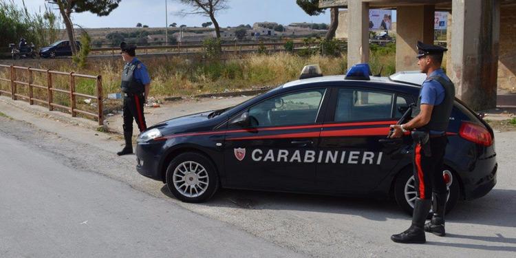 Rosolini, reagisce ad un controllo su strada dei Carabinieri: arrestato