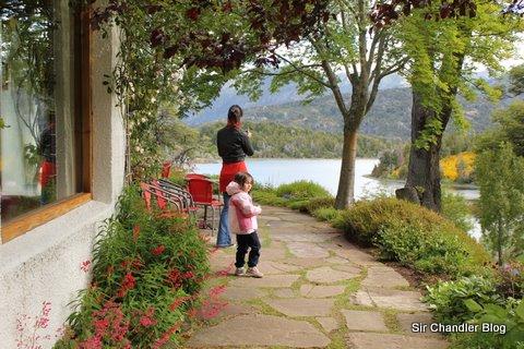 Casa de te bellevue en bariloche for Jardin 61 bariloche