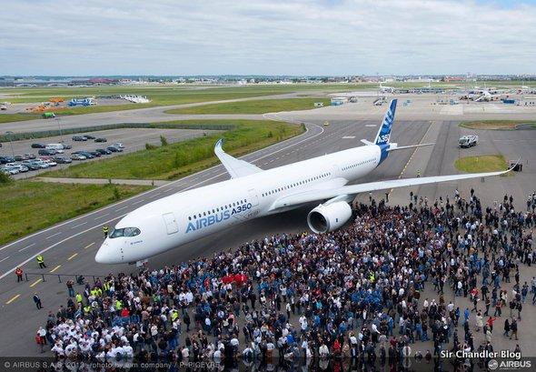 El primer Airbus 350 ya salió «pintado». Es parecido a…