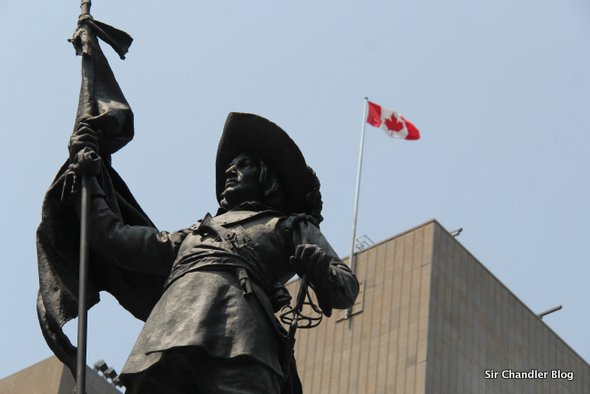 montreal-monumento