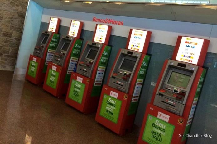 ¿Desapareció la restricción de las tarjetas de crédito para sacar dinero en el exterior?