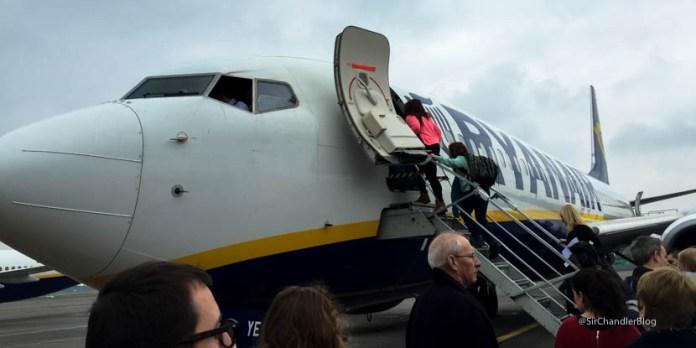Volando por Ryanair de Dublin a Edimburgo