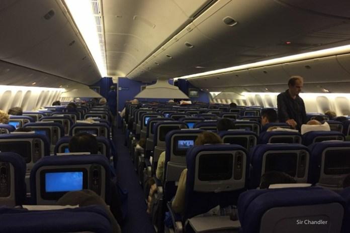 20-cabina-777-klm