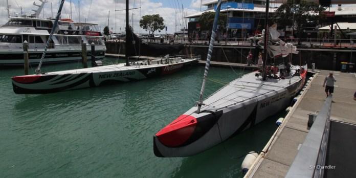 Navegando a vela frente a Auckland
