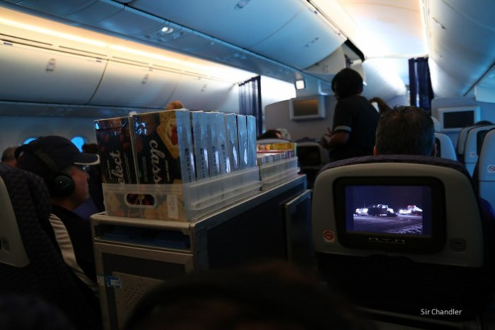 united-787-0709