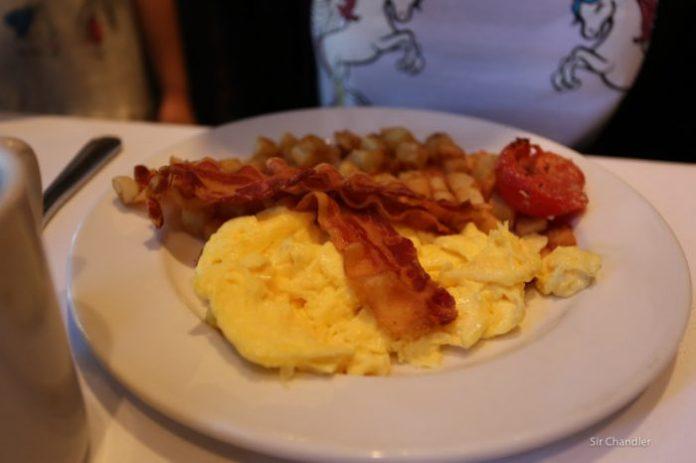 hilton-naples-desayuno-1300