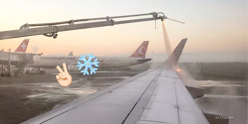 Descongelando un avión antes de despegar