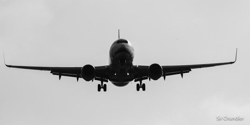 ¿Cómo canjear con millas un pasaje y comprar otro para el mismo vuelo?
