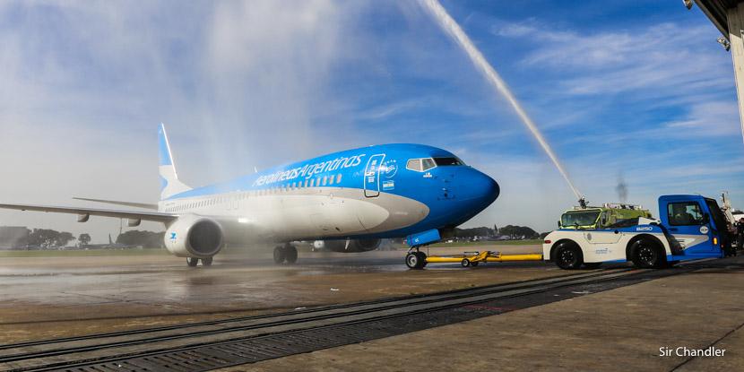 Aerolíneas Argentinas presentó su último Boeing 737 (y lo bautizó)