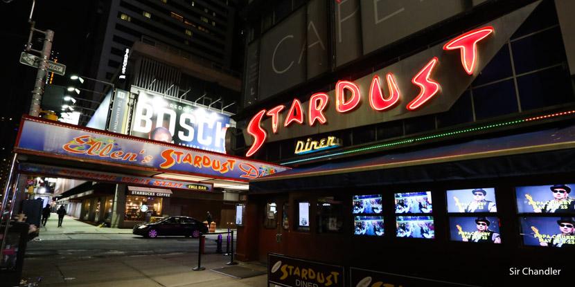Ellen's Stardust Diner, el restaurant de Nueva York donde cantan los mozos