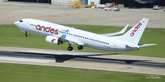 Andes devuelve dos Boeing 737
