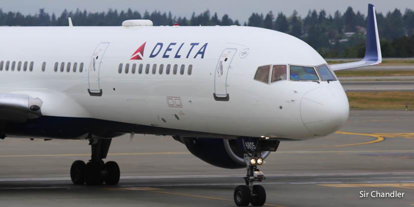 Delta pone límites a los animales de servicio en vuelos largos (en cabina)