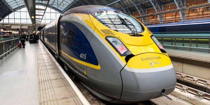 Viaje en el tren rápido Eurostar de París a Londres