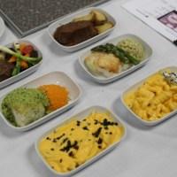Entrevista con el piloto - chef de Aerolíneas Argentinas que cambia los platos de los vuelos
